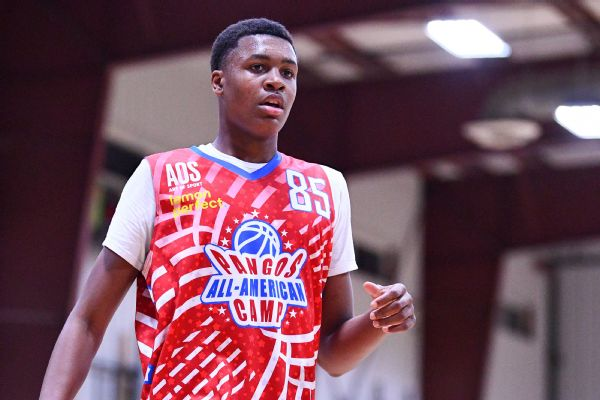 Top '23 prospect Smith signs with Overtime Elite
