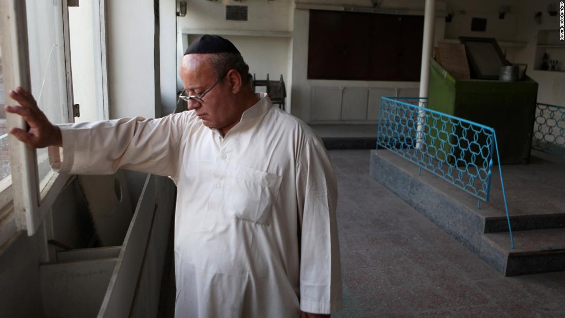 Last known member of Afghanistan's Jewish community leaves country