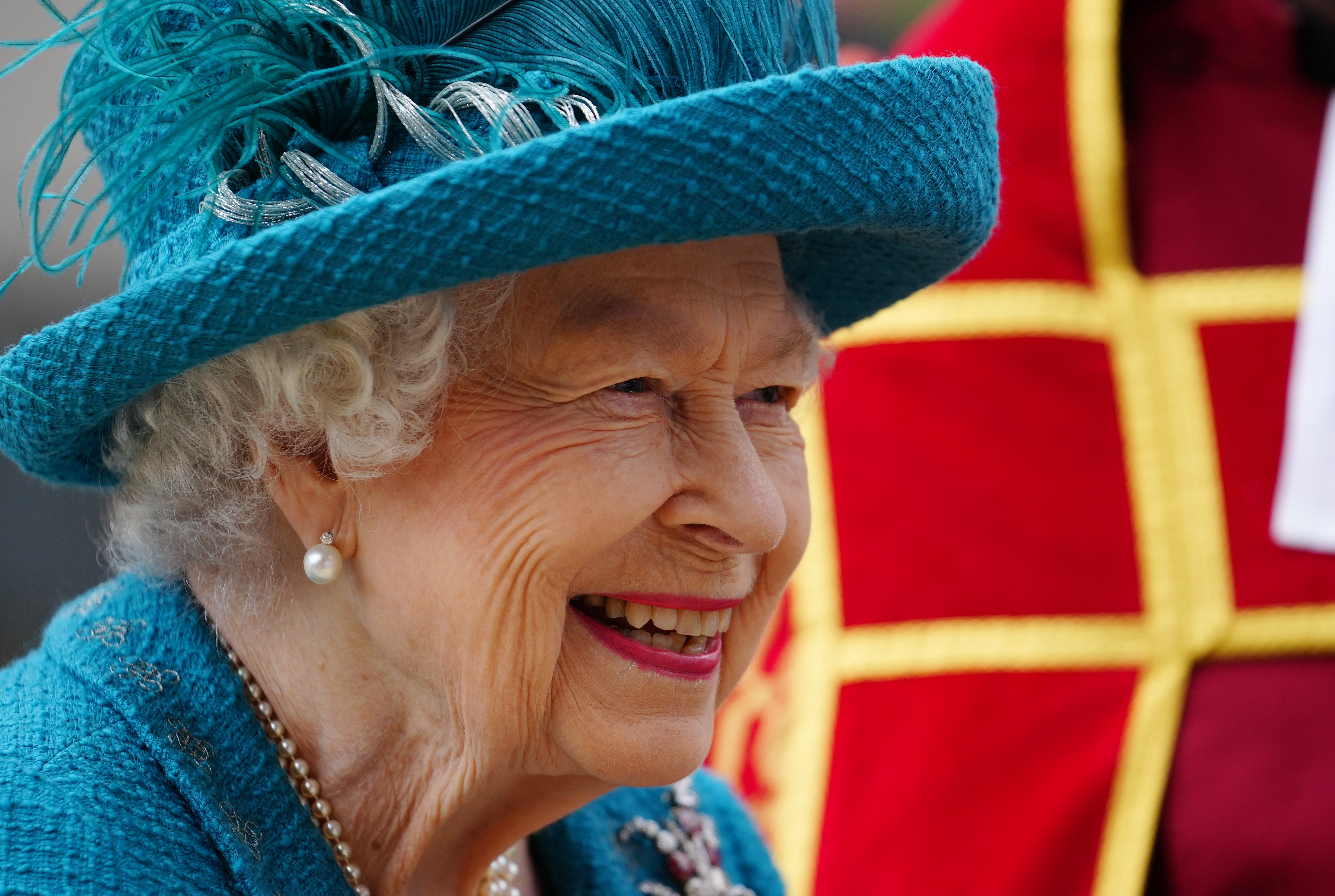Queen Elizabeth Honors 9/11 Anniversary With U.S. Anthem and Moment of Silence