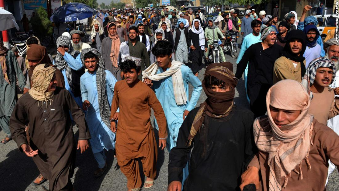 Taliban gives Kandahar residents three days to leave their homes, protesters say