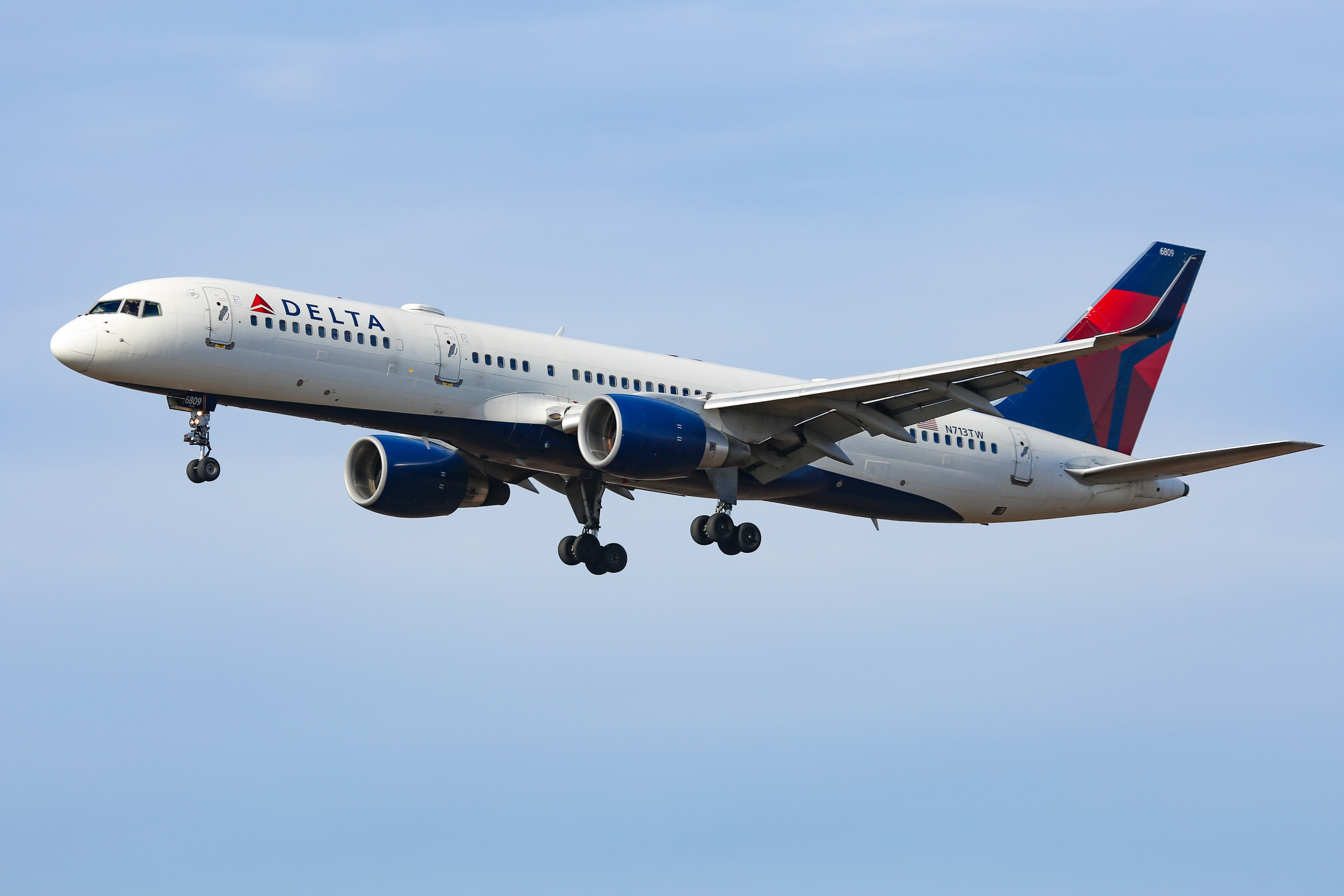 Delta AmEx Cards Are Now Offering Welcome Bonuses Up to 90,000 SkyMiles