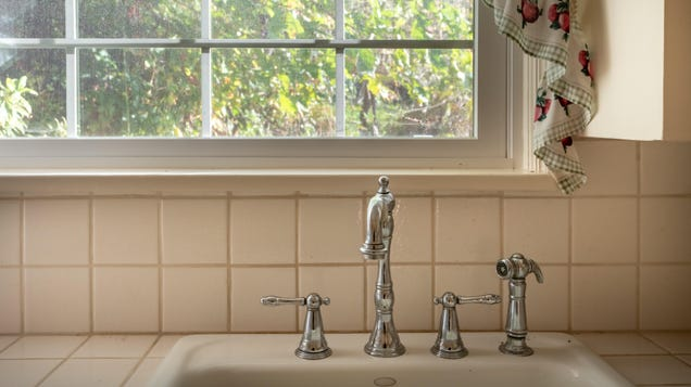 How to Fix (or Replace) a Leaky Faucet Yourself