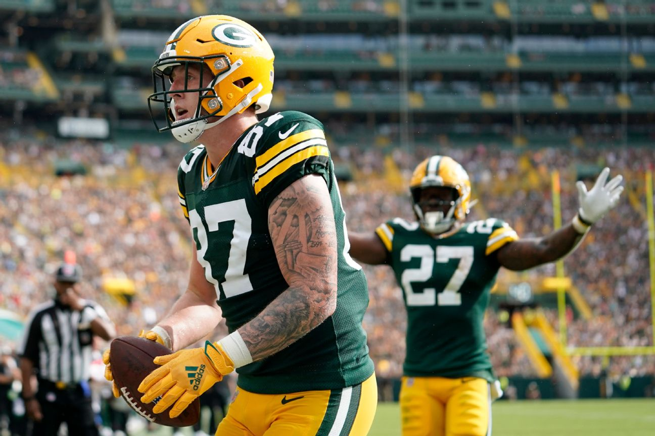 Packers cut TE Sternberger with ban complete