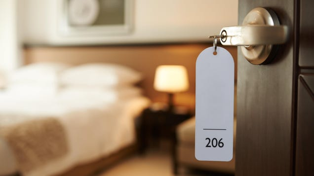 Why You Might Want a No-Fee Hotel Credit Card (Even If You Don't Travel Often)