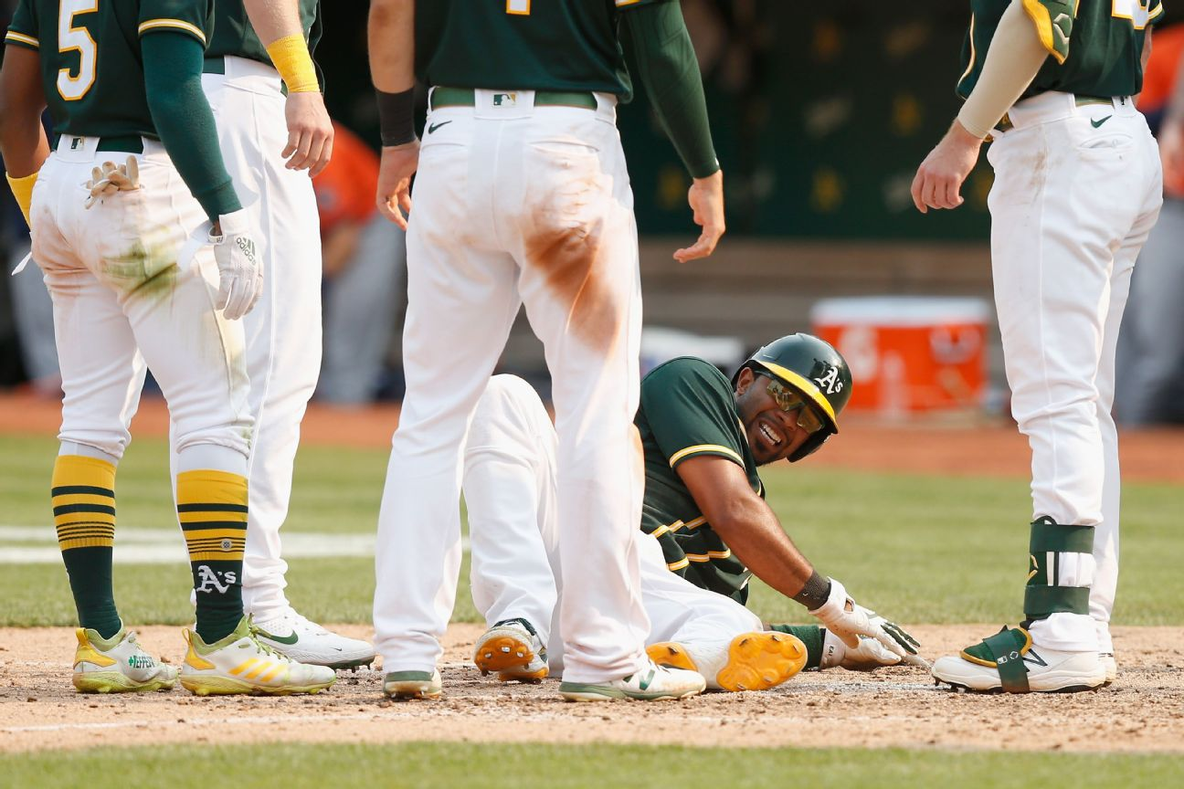 A's SS Andrus sidelined with fractured left fibula
