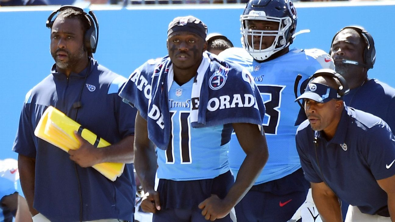 Titans WR Brown exits win with hamstring injury