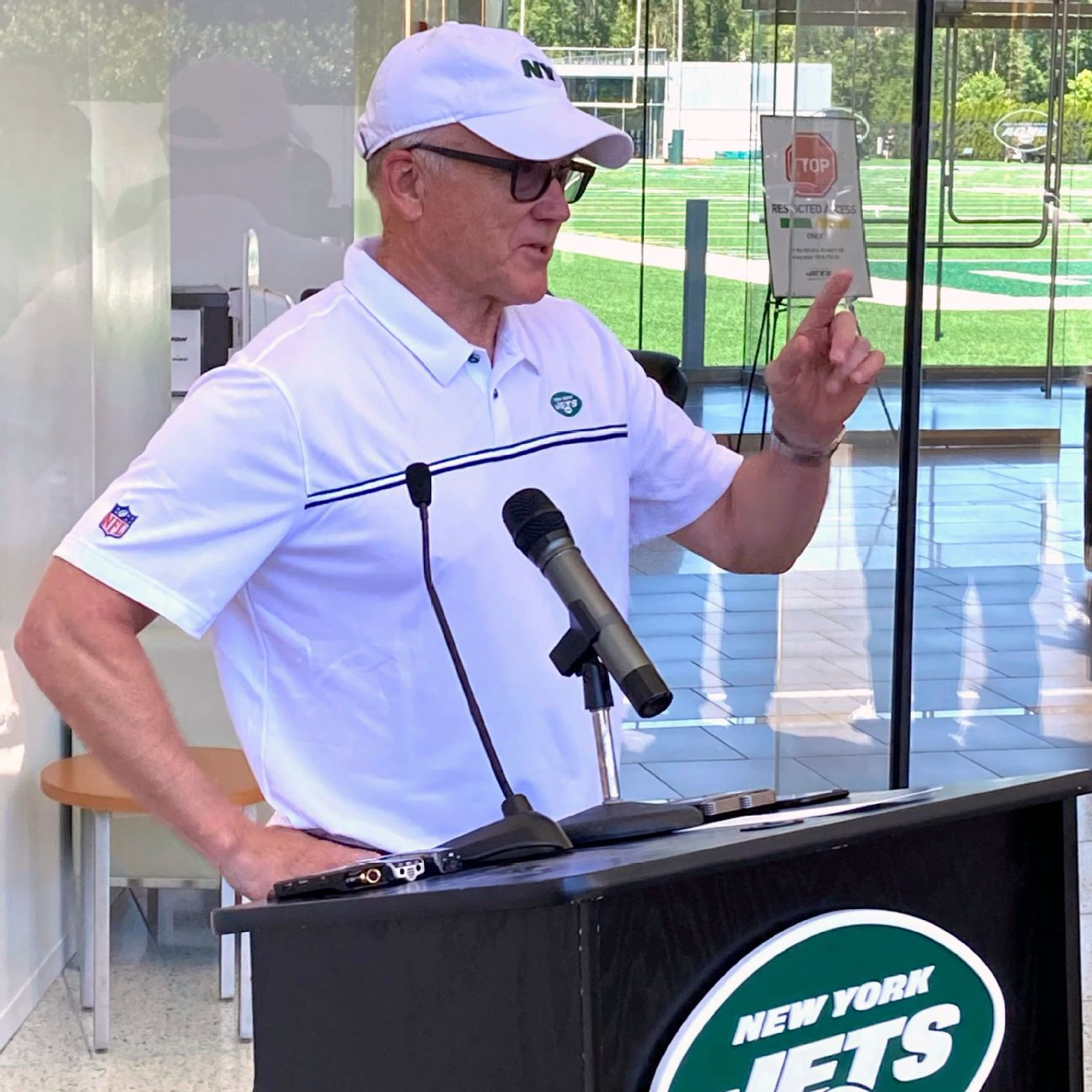 Owner: Jets can be 'special' under GM, Saleh