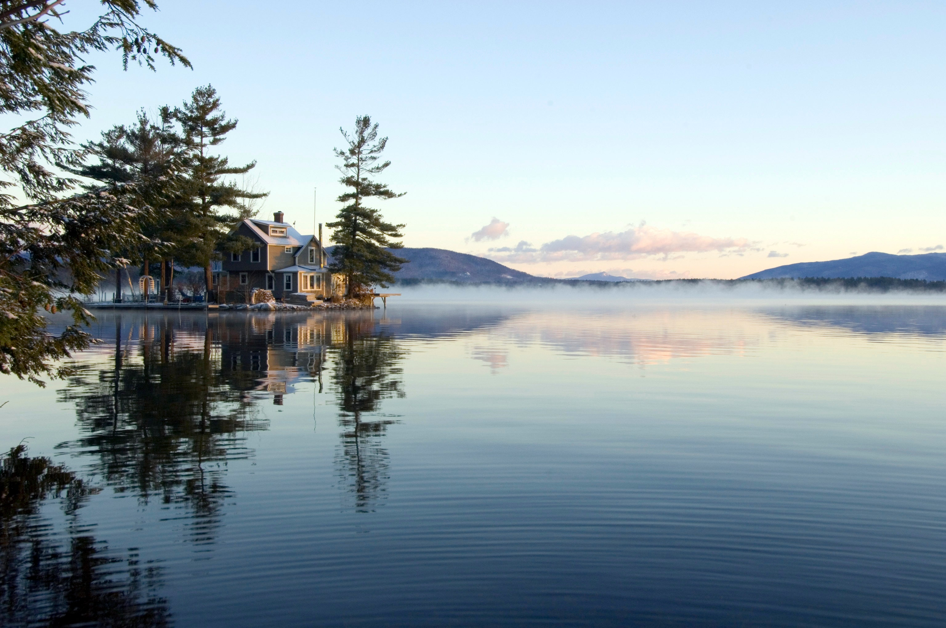 15 Best Things to Do in New Hampshire, From Mountain Hikes to Beachside Pizza