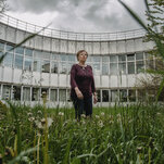 The Biologist Who Fell to Earth