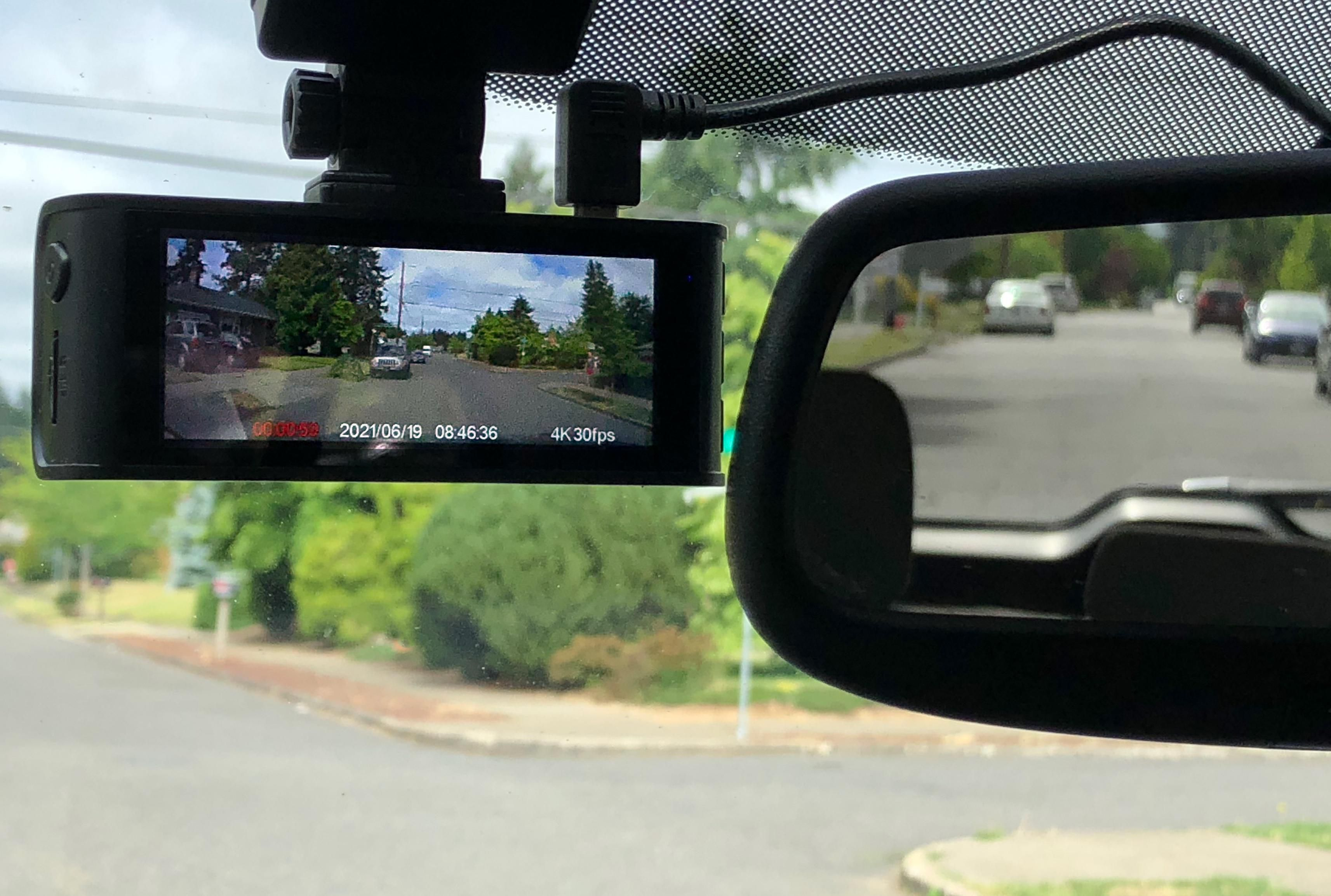 Blueskysea's B4K Dashcam Takes A Wide(screen) View Of Life On The Road