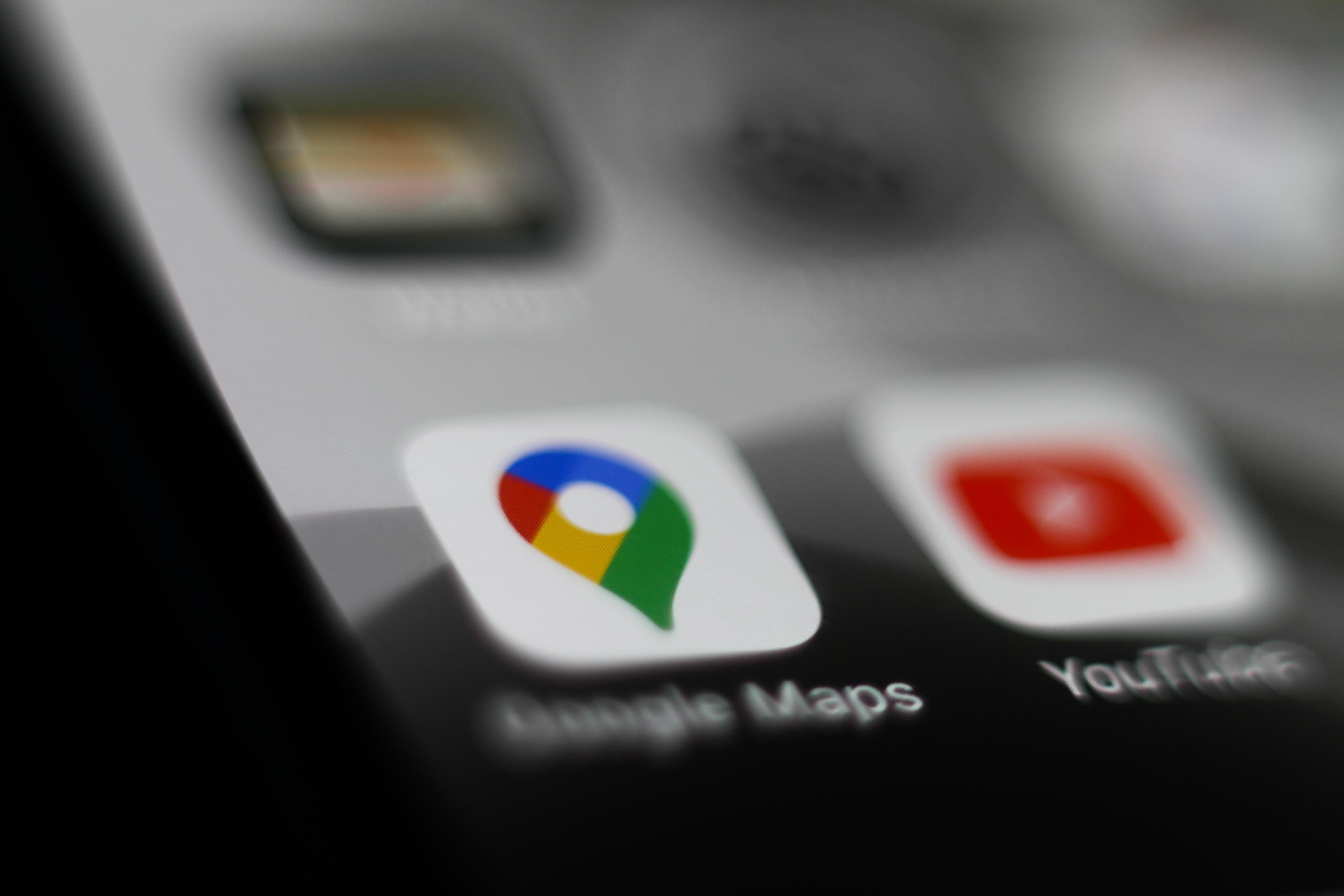 Why You Suddenly Need To Delete Google Maps On Your iPhone