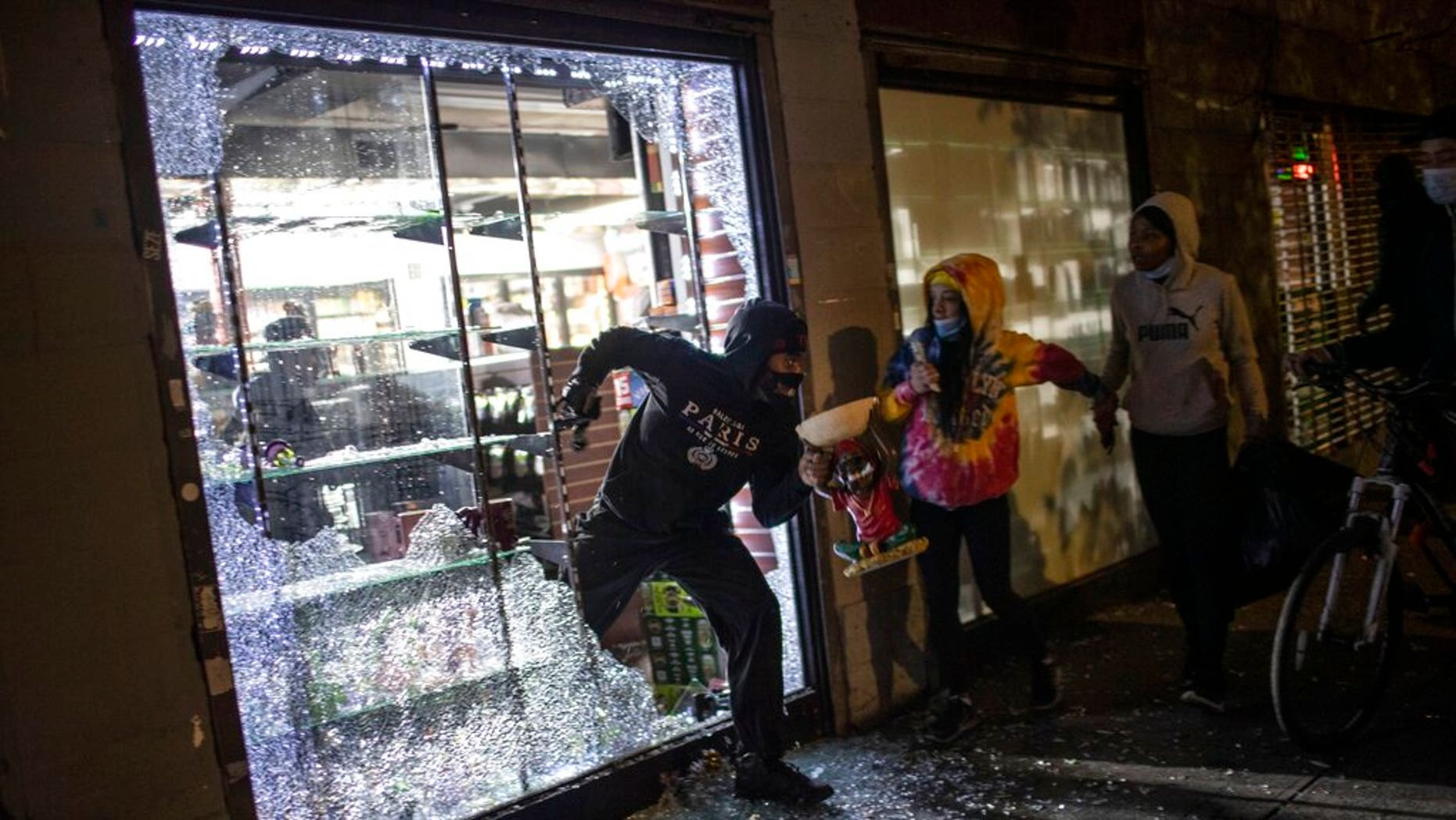NYC DA drops most looting cases from summer 2020 riots, prioritizing Trump probe: report